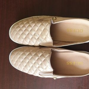 NWT-Guess Pink Slipper-250